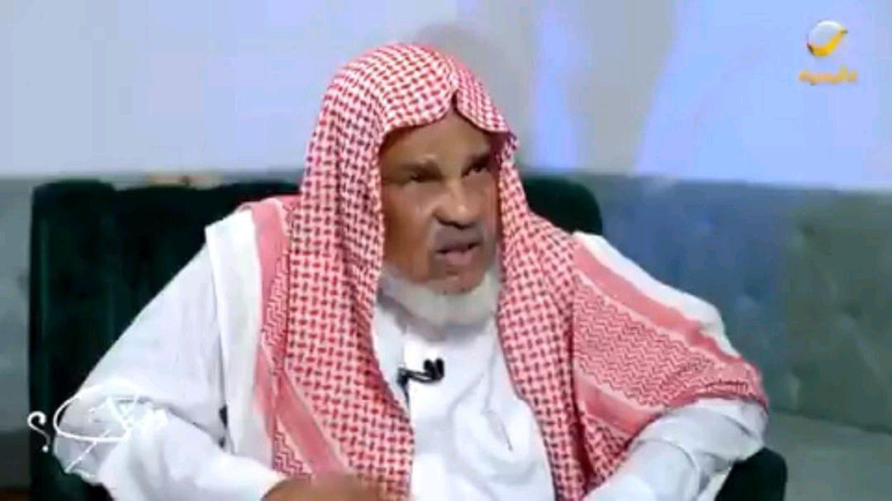 """بالفيديو.. الشاعر """"حسن أبوعلّة"""" يروي قصة إهداء الأمير خالد الفيصل له سيارة"""