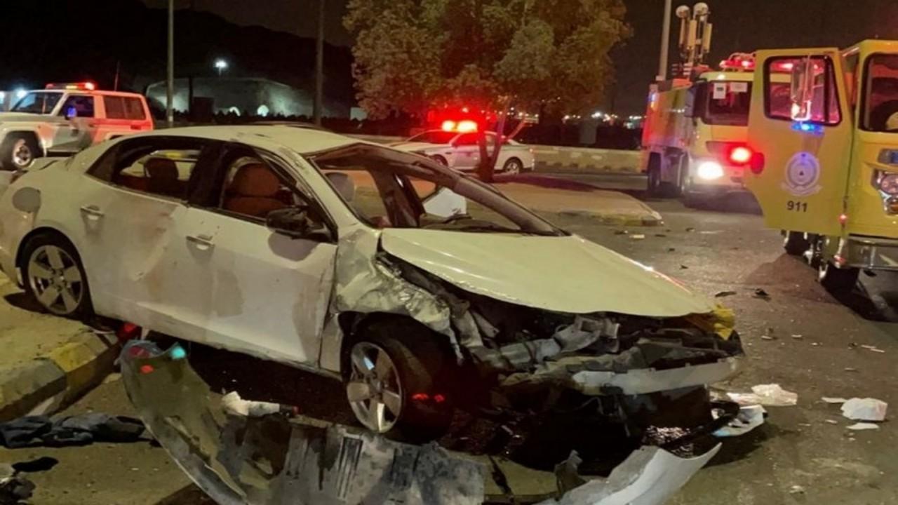 انقلاب مركبة وإصابة 7 أشخاص على أحد طرق مكة المكرمة