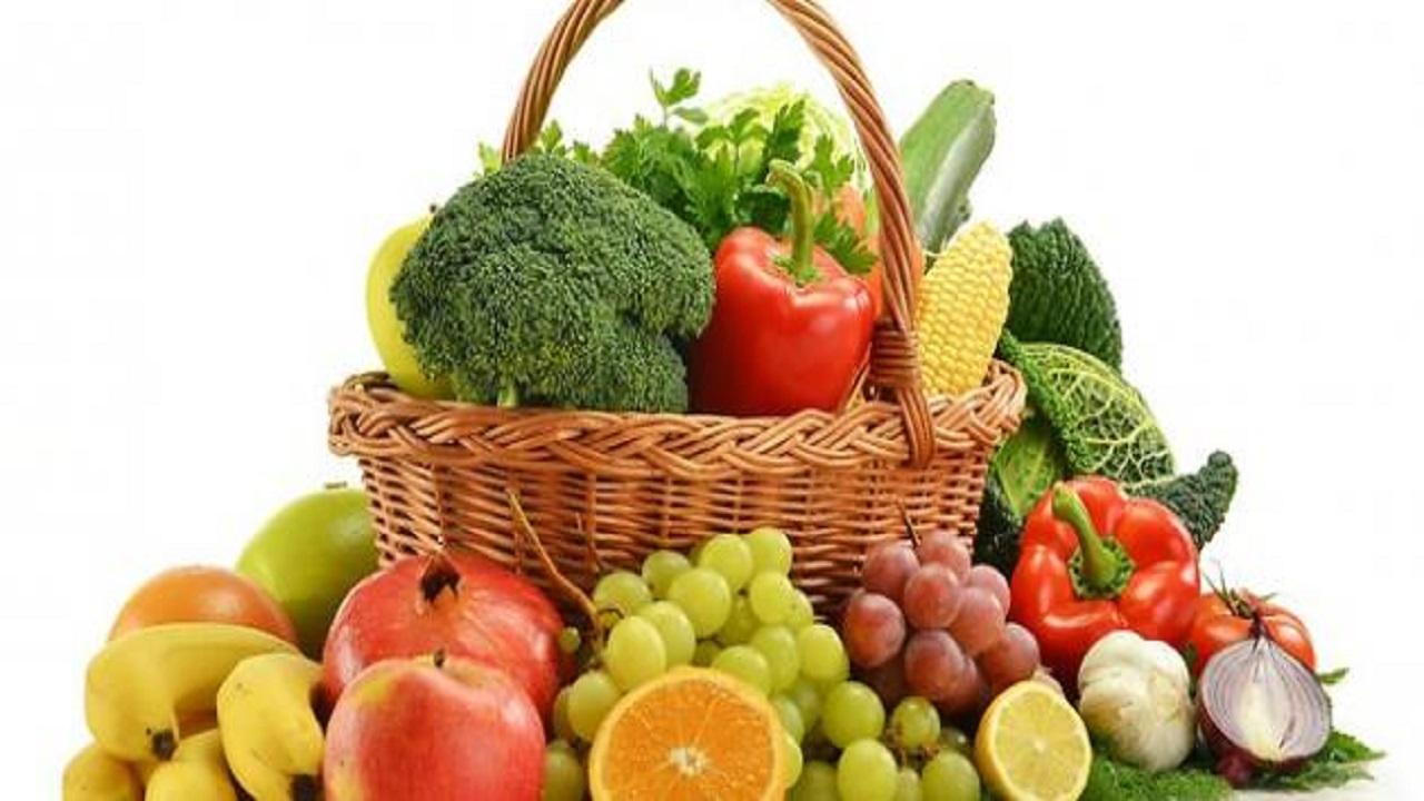الغذاء والدواء تكشف عن أهميةالتنويع في الفواكه والخضروات