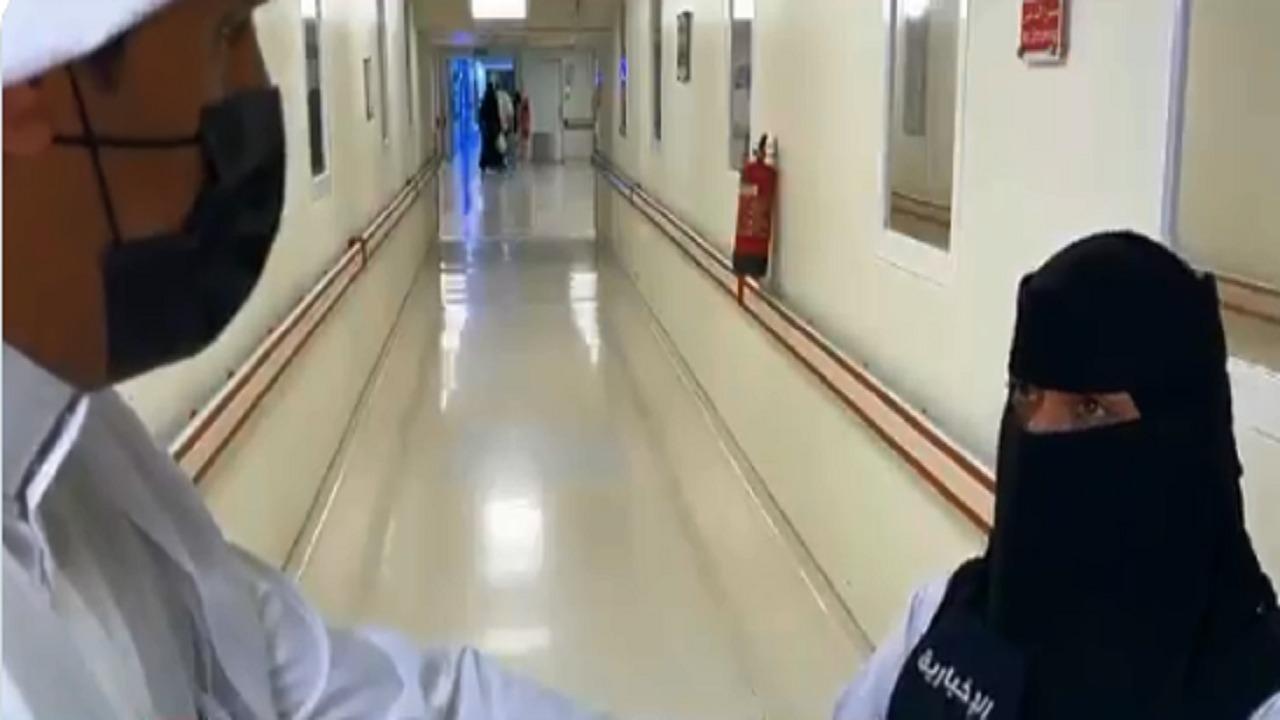 بالفيديو .. ممرضة تروي كيف أنقذت امرأة بعد دهسها بالقريات