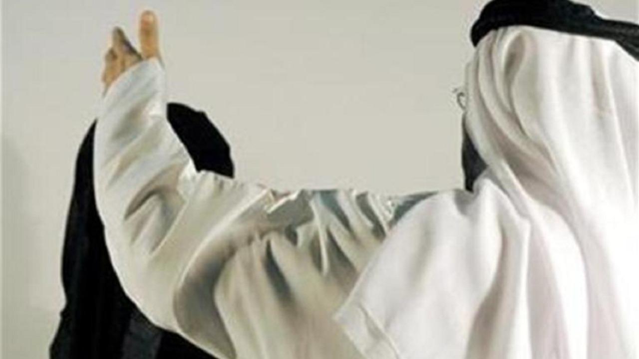 رجل يقاضي زوجته بعد كشف خيانتها له مع آخر في الإمارات
