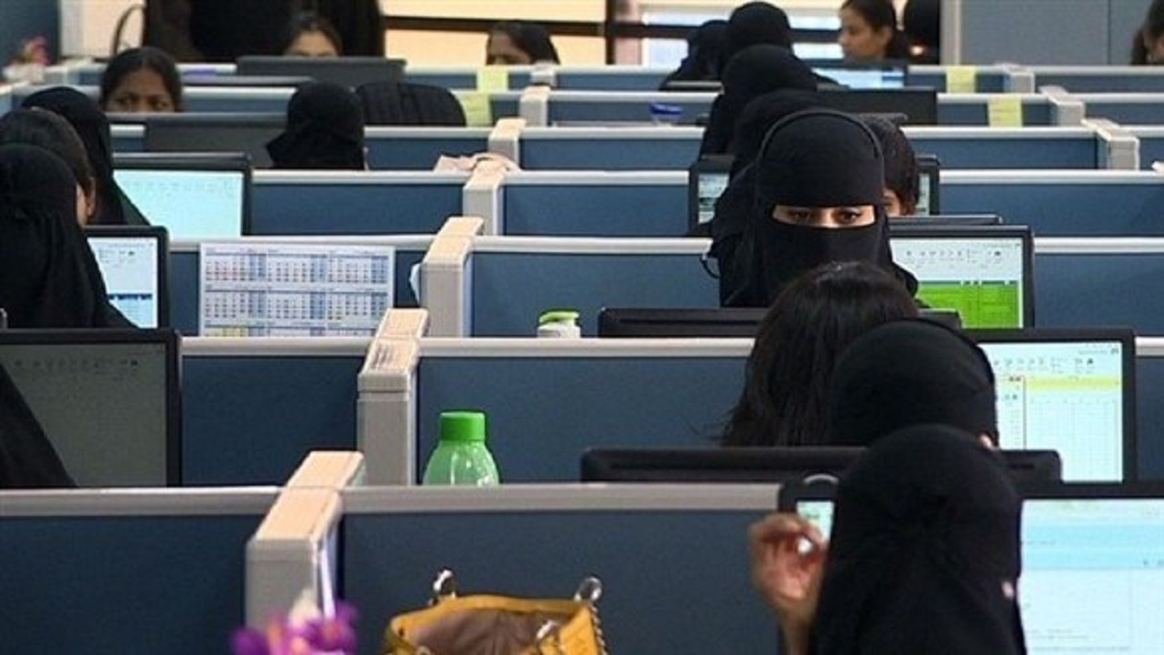 مهتم بالموارد البشرية يكشف السبب وراء كثرة توظيف النساء مقارنة بالرجال