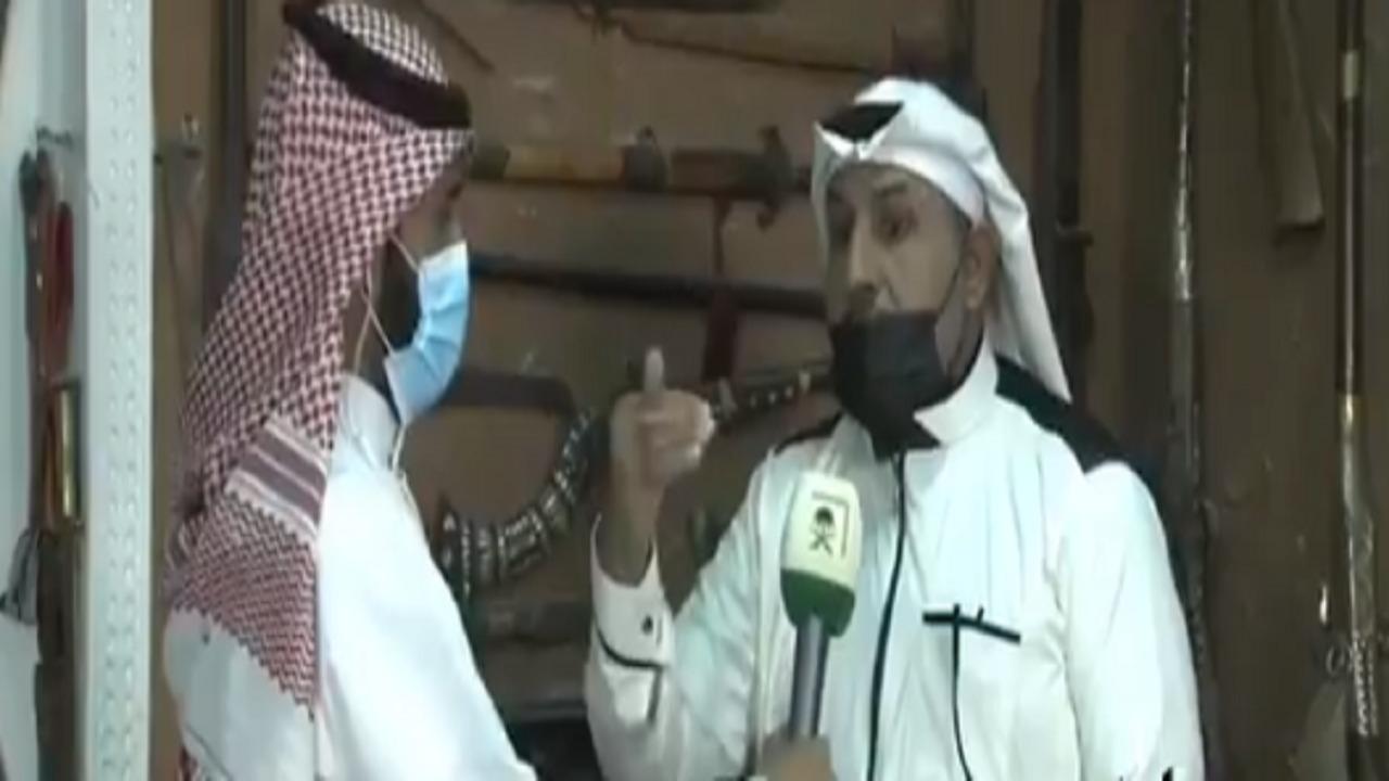 بالفيديو.. المواطن عبدالله الدوسري يجمع المقتنيات التراثية