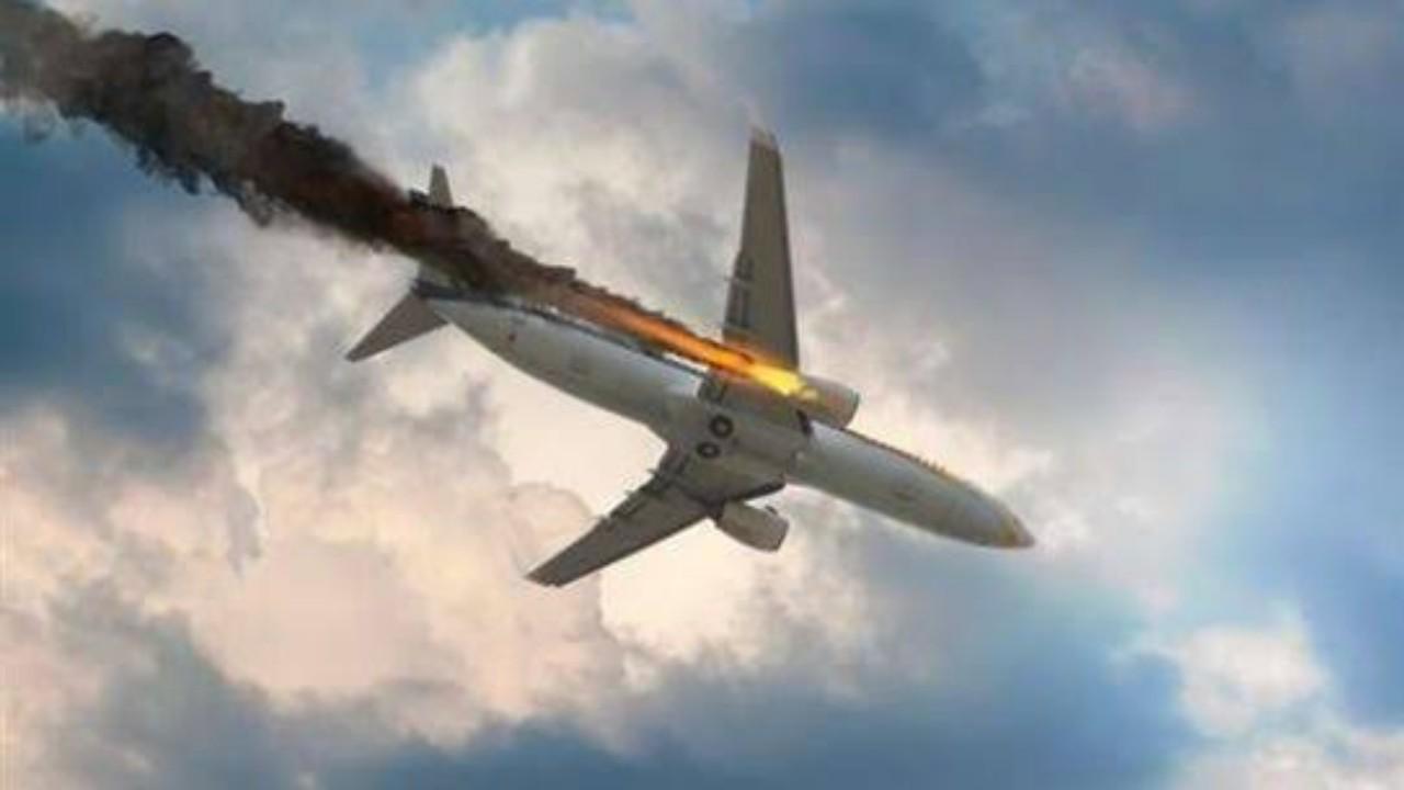 سقوط طائرة تدريب لبنانية في البحر