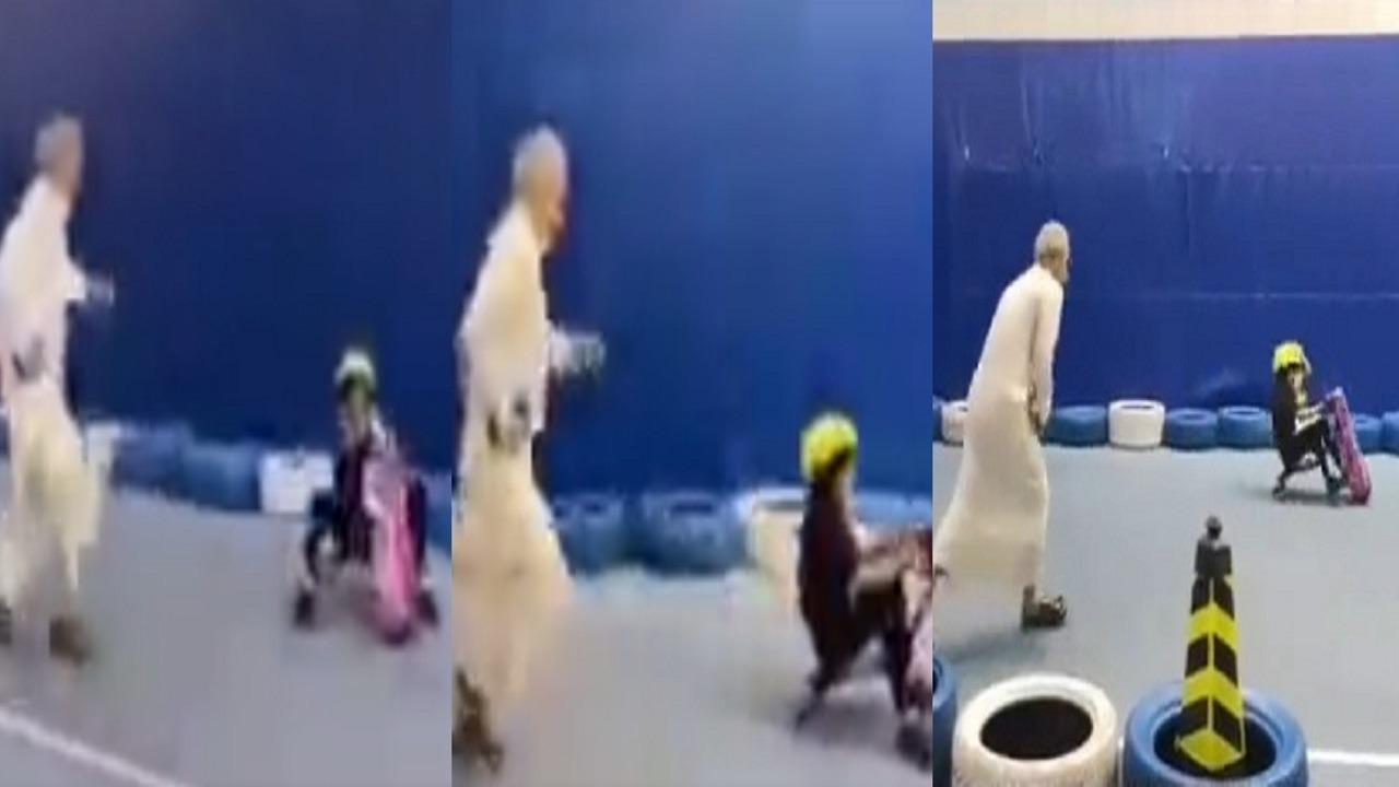 فيديو..الأمير الوليد بن طلال يلهو مع حفيداته ويلفت الأنظار بلياقته