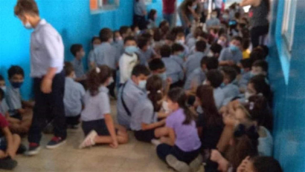 بالصور.. رعب داخل إحدى المدارس في لبنان بسبب إطلاق النار