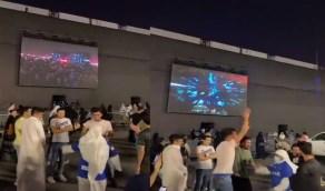 فيديو.. مسن يخطف الأنظار في موسم الرياض