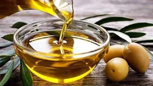 فوائد صحية لدهن الجسم بزيت الزيتون قبل النوم