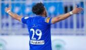 تعليق الدوسري على وصفه بأعظم لاعب سعودي