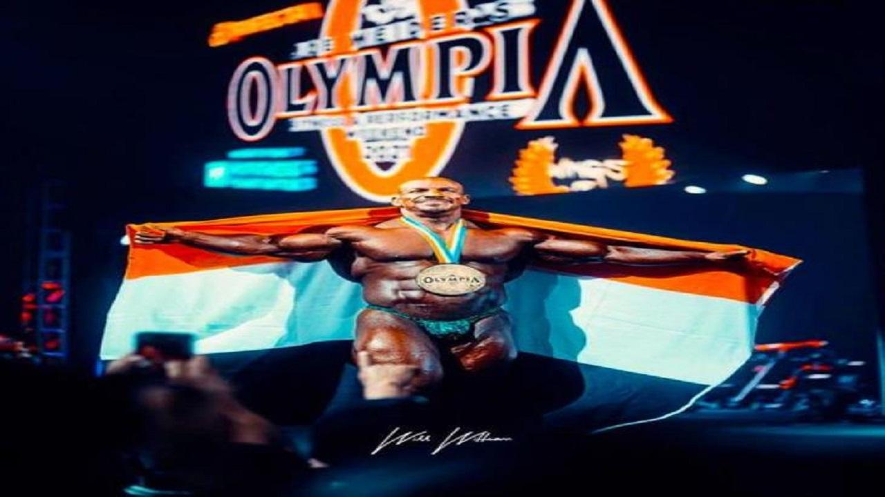 """بيج رامي يعلق على فوزه بلقب مستر أولمبيا: """"تعالى جنب أخوك"""""""