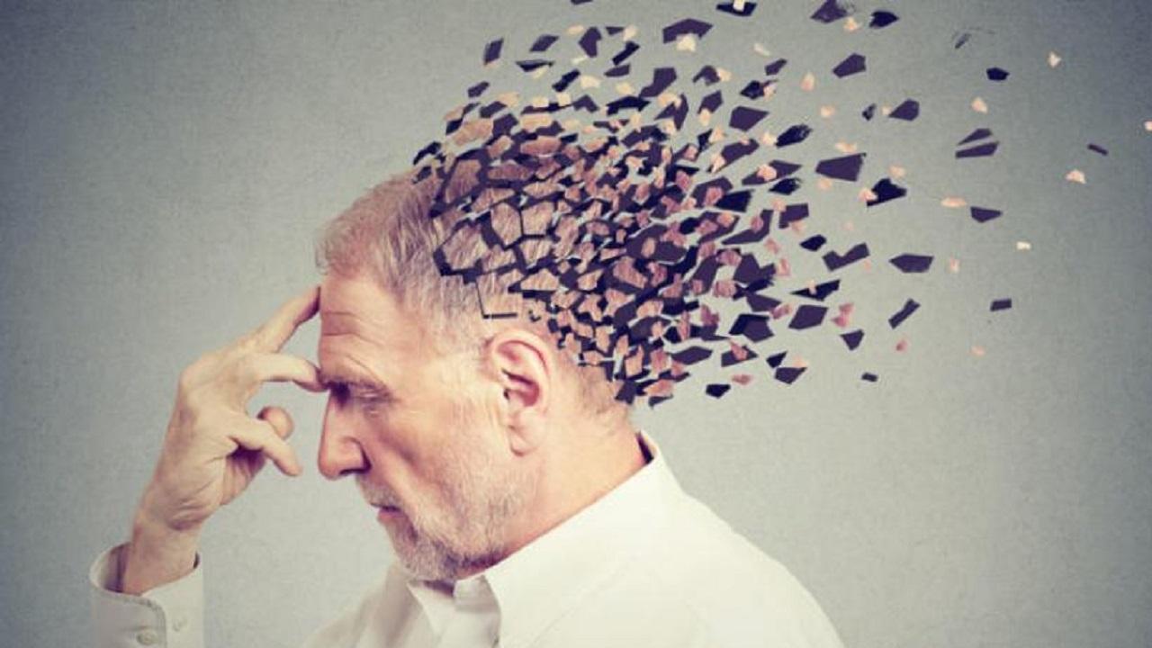 علامات تنذر بإصابة الإنسان بالزهايمر