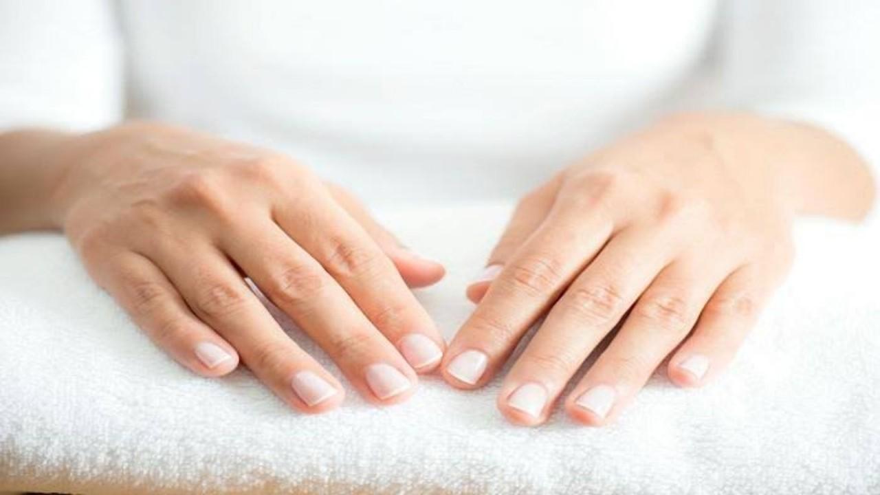 طرق سهلة لعلاج جفاف اليدين بالخريف والشتاء