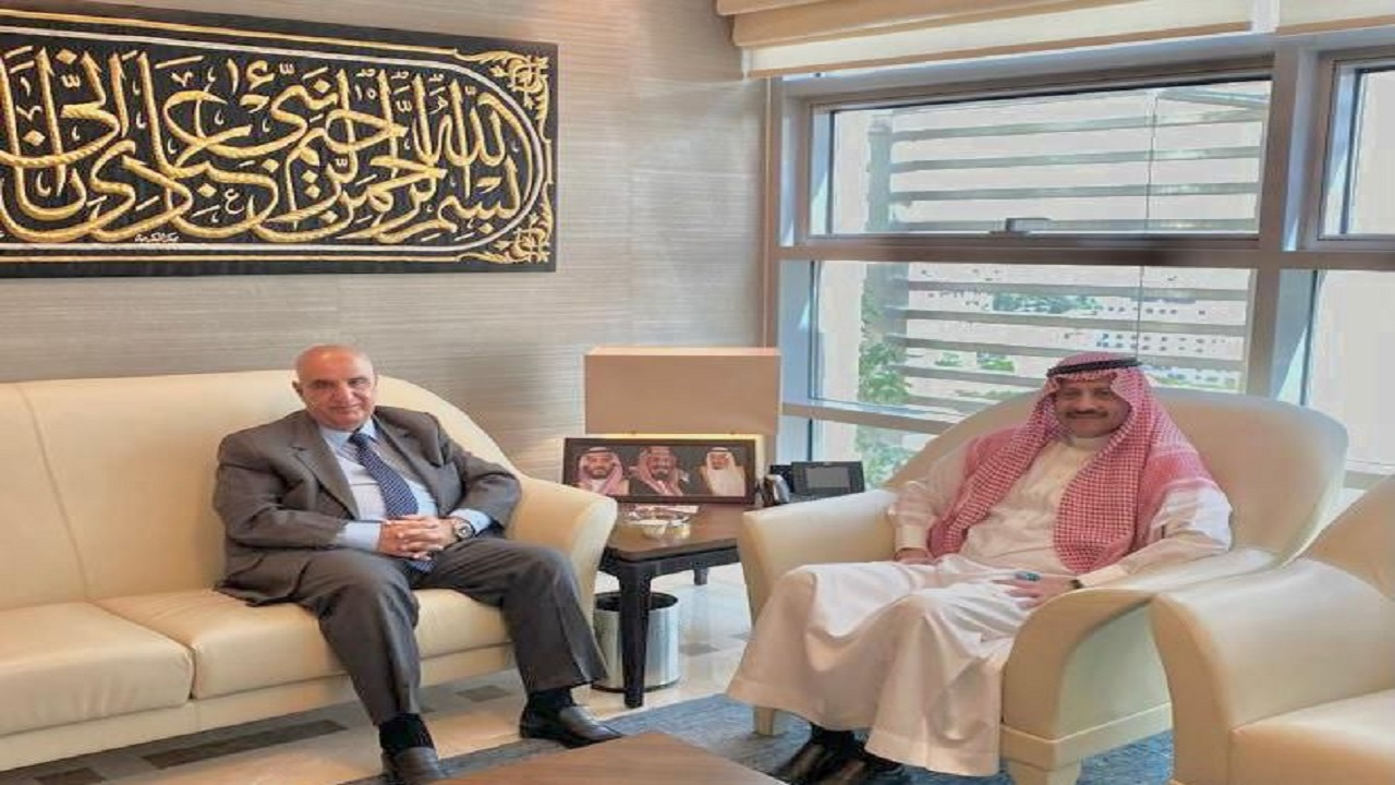 سفير المملكة لدى الاردن يلتقي رئيس لجنة الأخوة الأردنية السعودية في مجلس الأعيان الأردني