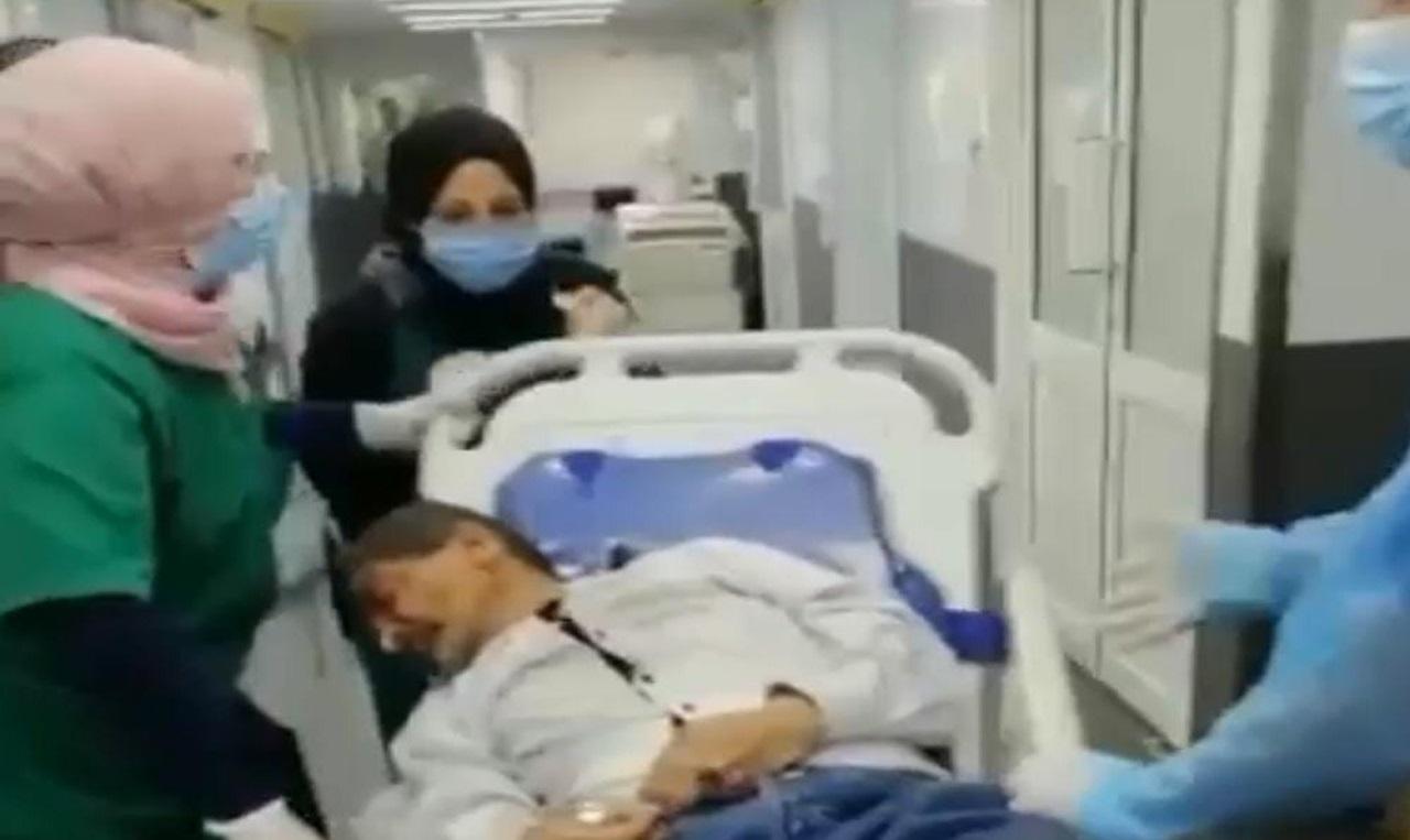بالفيديو.. لحظة نقل ضحايا حزب الله إلى أحد المستشفيات جراء المظاهرات العنيفة