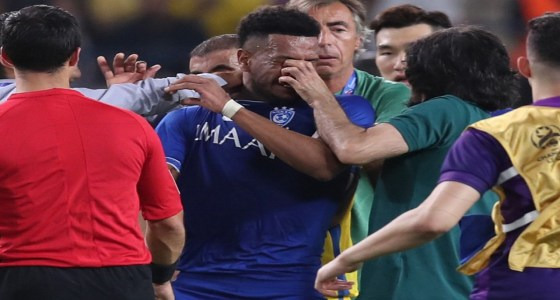 عبد الغني يحاول فقء عيني البليهي.. ومطالب لوزير الرياضة بشطبه
