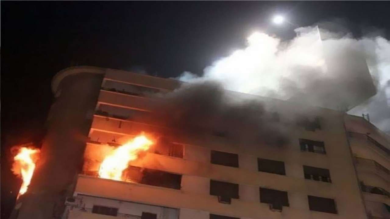 اندلاع حريق في منزل لاعب كرة قدم شهير