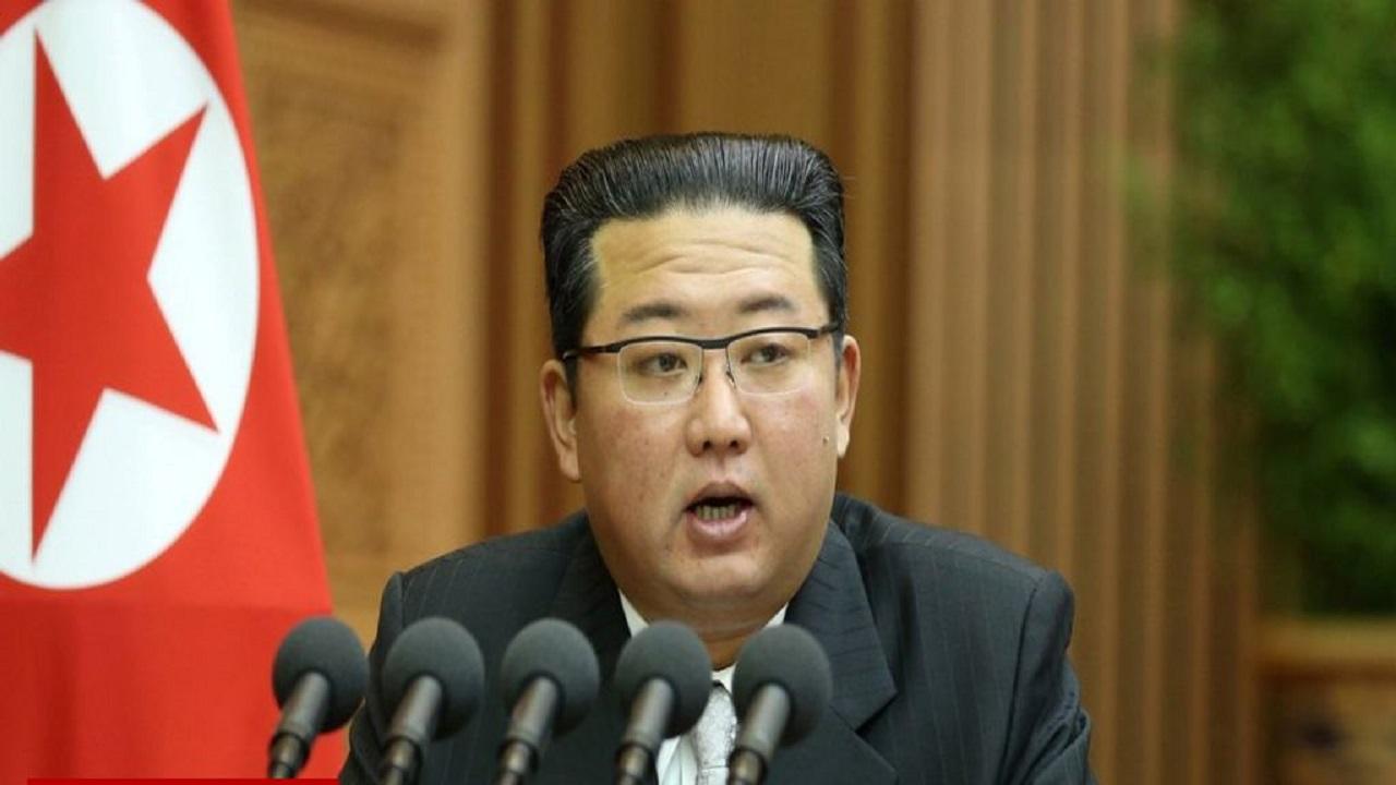 """زعيم كوريا الشمالية يثير التكهنات.. """"مات ويستعين بشبيه له!"""""""