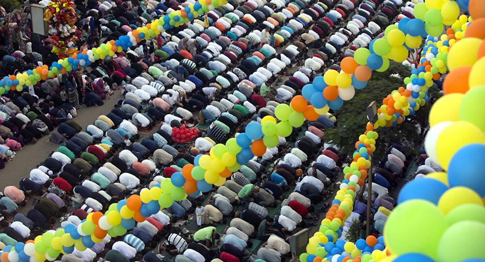 """السديري يروي واقعة لإمام مسجد """"جاب العيد"""" في """"صلاة العيد"""""""