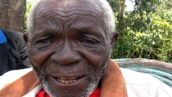 رجل يعود إلى منزله بعد عقود من اختفائه يجد زوجتيه تزوجا من آخر