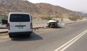 وفاة شخصين وإصابة 3 في حادث تصادم بالباحة