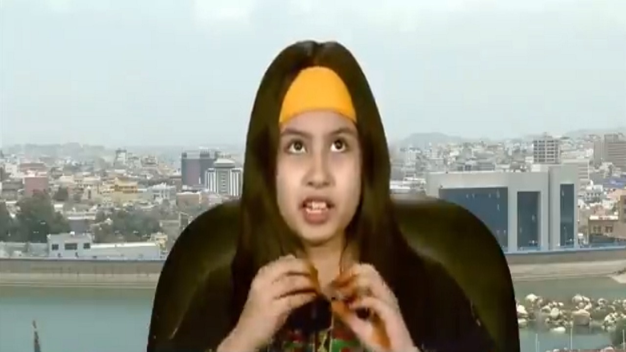 بالفيديو.. أصغر نحالة في عسير تروي قصة شغفها بالمهنة