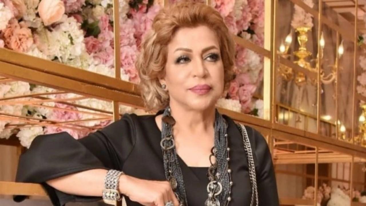 فخرية خميس تظهر بالحجاب بعد تعافيها من السرطان (صورة)