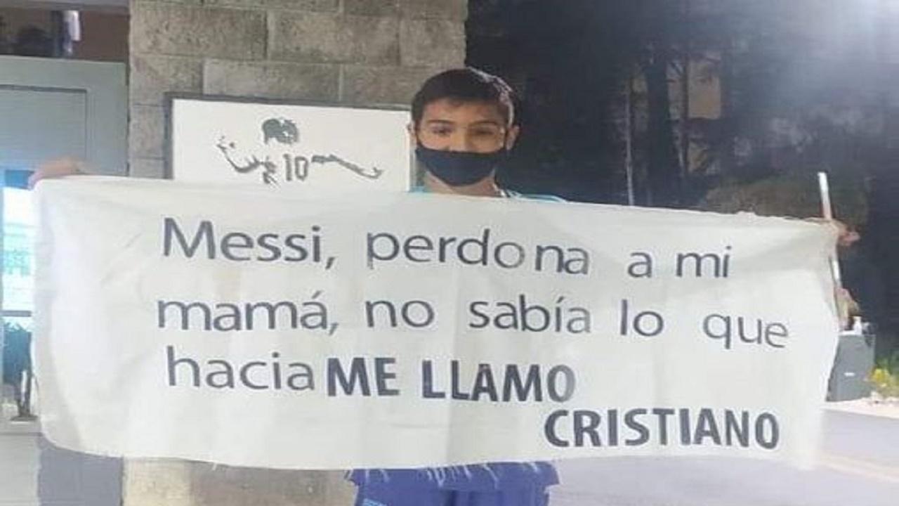 """طفل أرجنتيني يعتذر لـ """"ميسي"""" لسبب غريب"""