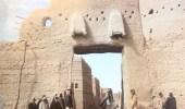 صورة نادرة لبوابة الثميري أحد المداخل الرئيسية للرياض من الجهة الشرقية
