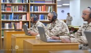بالصور.. الطلبة المستجدين بكلية الملك خالد العسكرية يتواصلون مع ذويهم