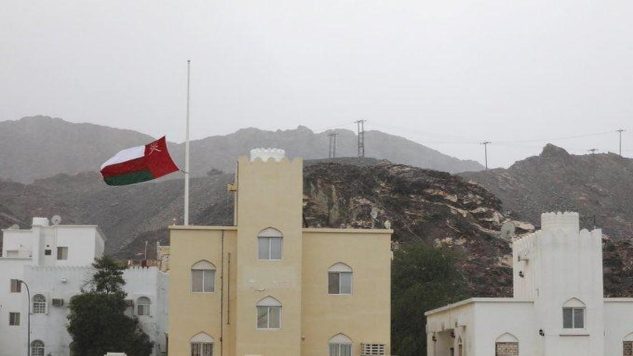 عمان تدعو قاطني المناطق الواقعة في نطاق إعصار شاهين لإخلاء منازلهم
