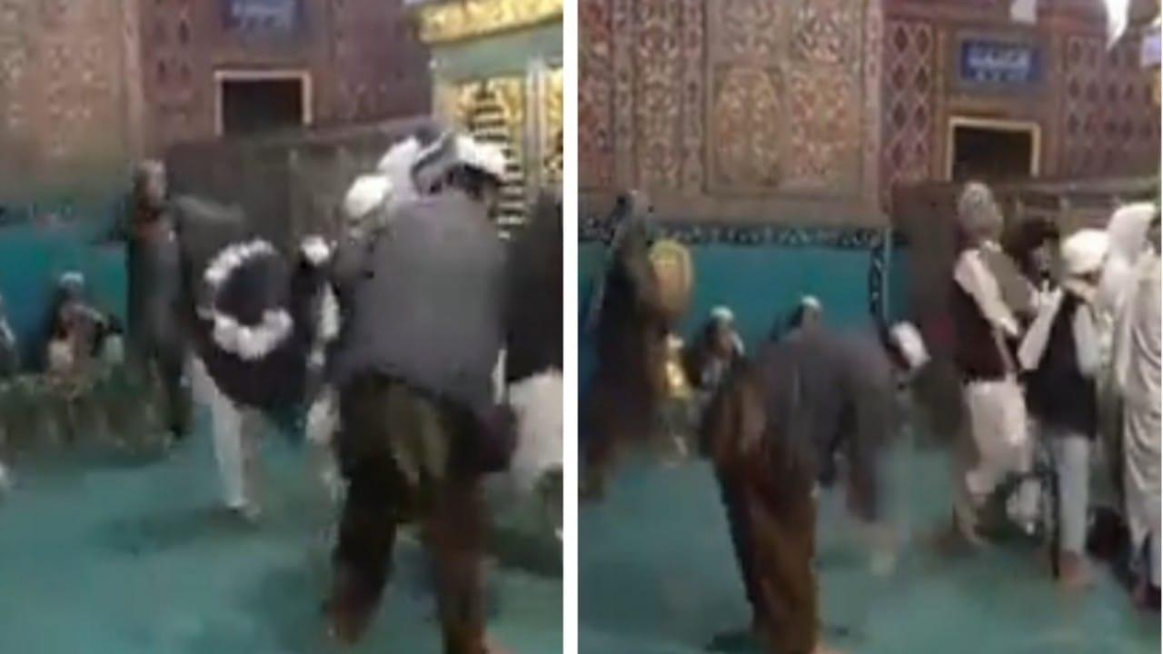 شاهد.. عناصر طالبان يتراقصون ويؤدون حركات غريبة داخل أحد المساجد في أفغانستان