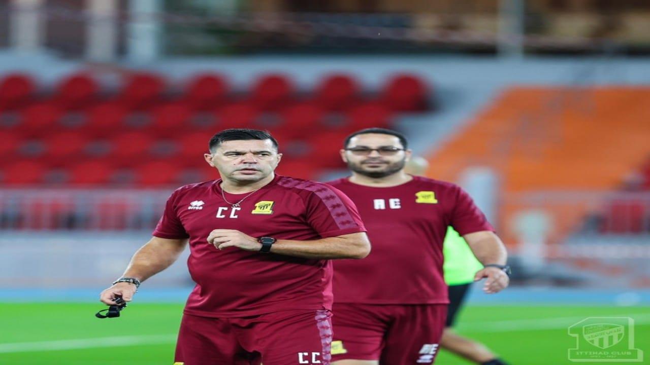 مدرب الاتحاد يكشف عنسر ثقة الإدارات بالمدربين الرومانيين