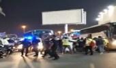 شاهد.. اشتباكات بين الجمهور ولاعبي المنتخب العراقي