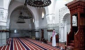 """""""الشؤون الإسلامية"""" تؤكد استمرار تطبيق التباعد بين المصلين"""