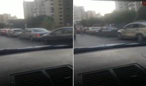 شاهد .. طوابير البنزين تجتاح مجددًا شوارع لبنان