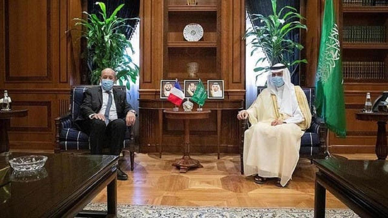 وزير الدولة للشؤون الخارجية ووزير خارجية فرنسا يبحثان العلاقات الثنائية بين البلدين