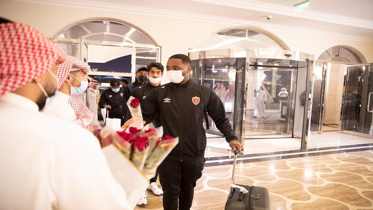 لحظة وصول بعثة الوحدة الإماراتي الرياض