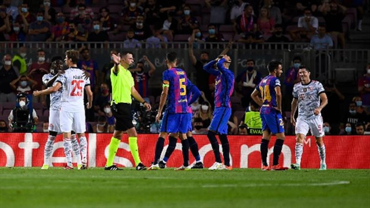 """برشلونة يعلن خبر """"غير سار"""" عن مدافعه رونالد"""
