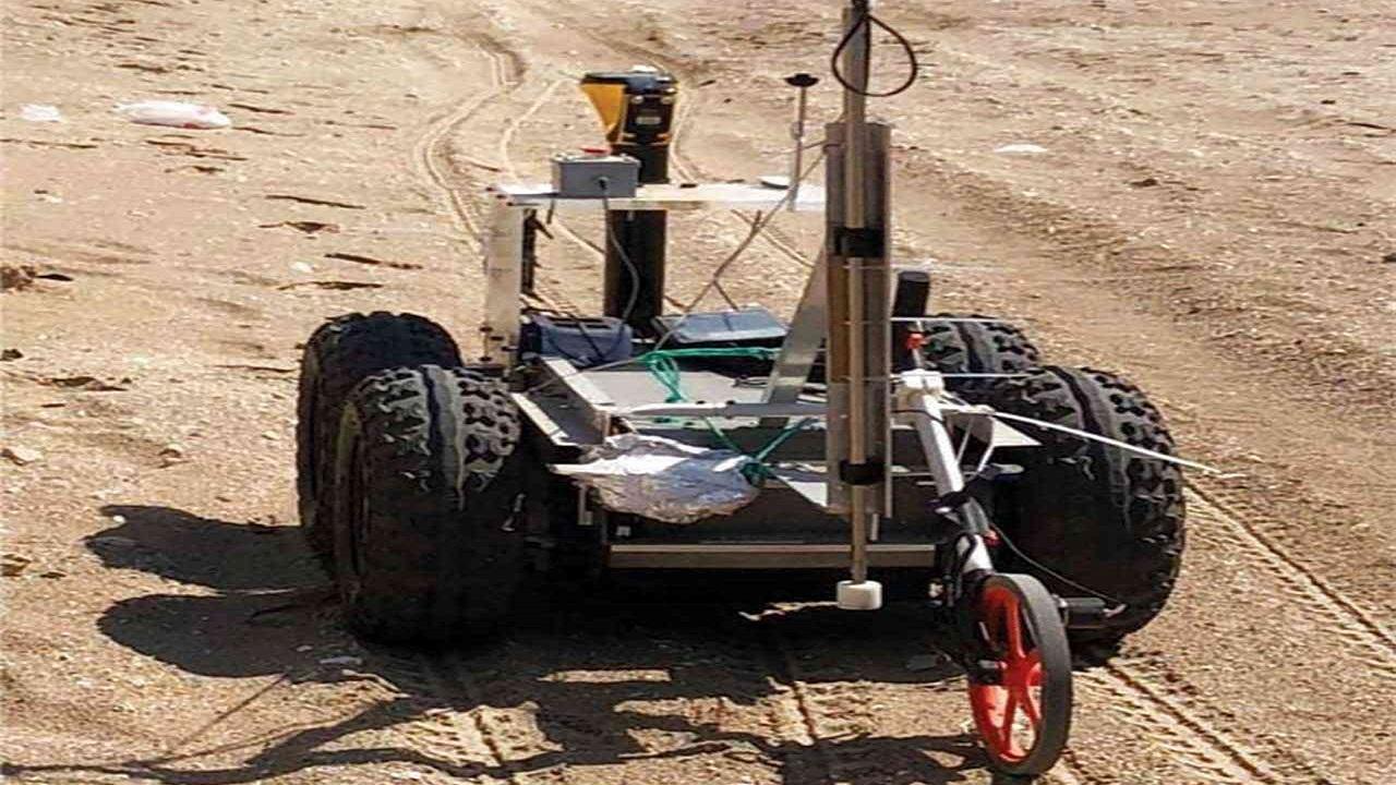 روبوت ذكي يعمل على كشف الخلل في أنابيب النفط