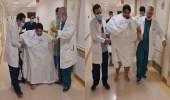 شاهد.. منصور الشراري يمشي على قدميه بعد فقدانه الوزن