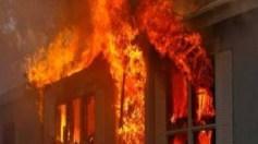 """طفل يفجر منزل أسرته بسبب """"مزيل عرق"""""""