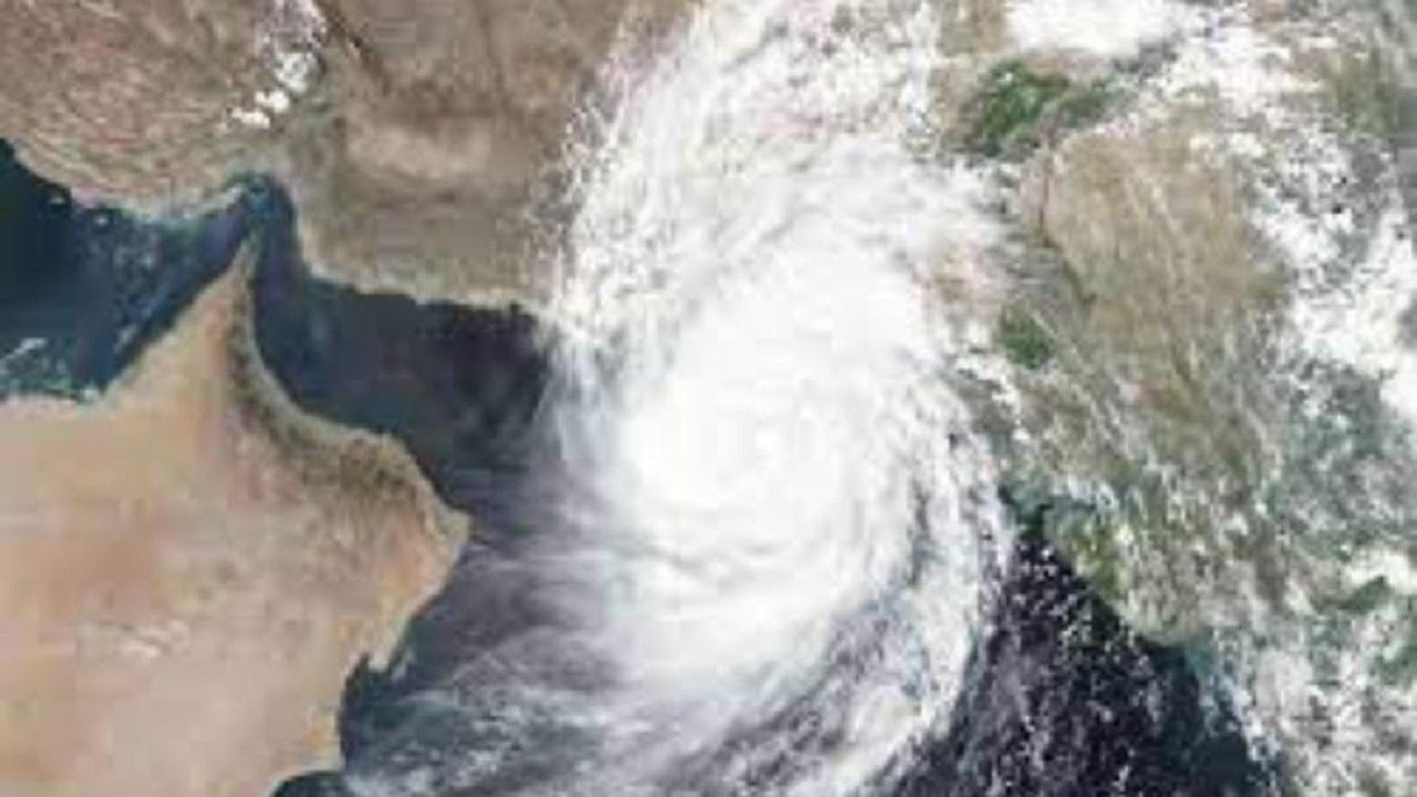 """العقيل: الإعصار المداري """"شاهين"""" خطير لكنه لن يصل إلى المملكة"""