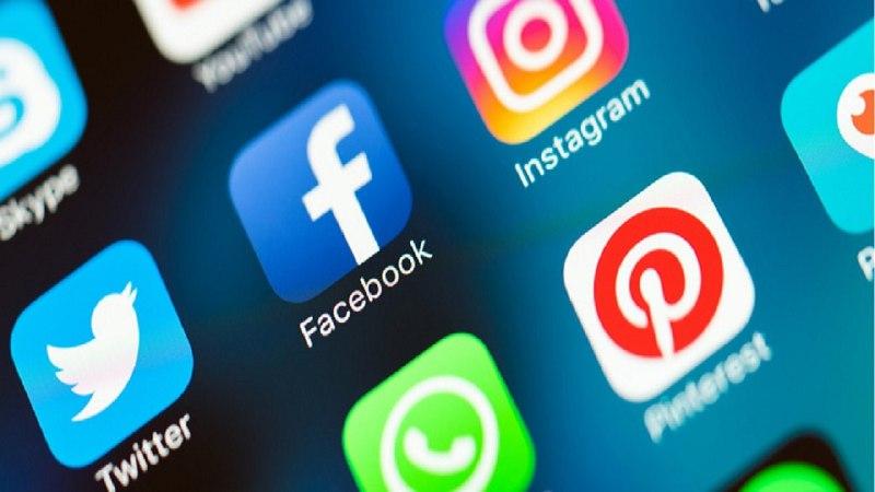 """عودة """"فيسبوك"""" و""""واتس آب"""" و""""إنستغرام"""" للعمل بشكل جزئي"""