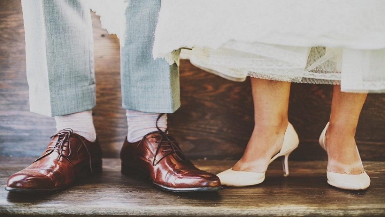 حذاء يدفع رجل لمقاضاة زوجته في المحاكم