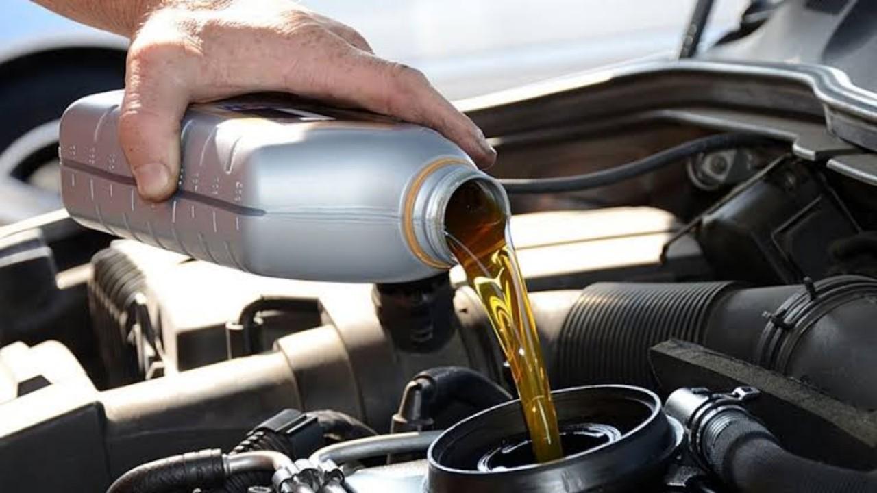 أسباب انخفاض ضغط الزيت في محرك السيارة