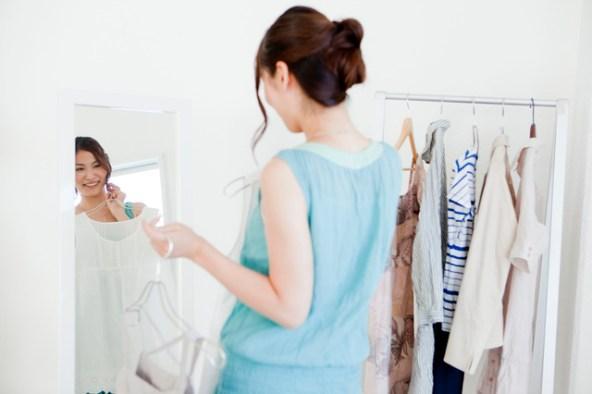 「服を選ぶ」の画像検索結果