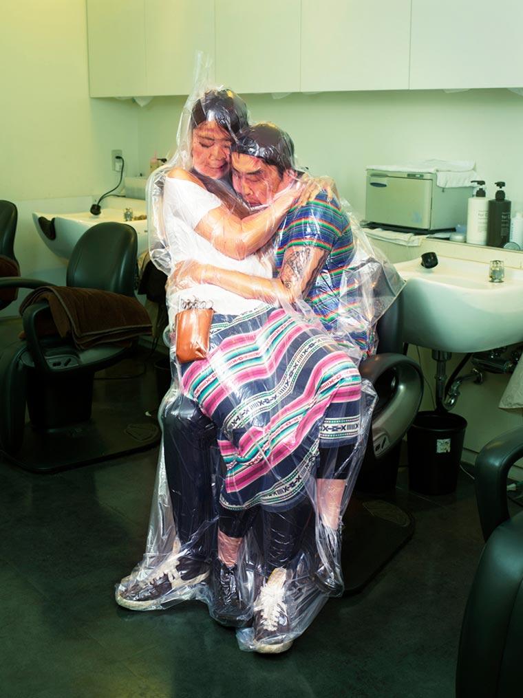 "flesh love returns haruhiko kawaguchi 1 - ""딱 붙어 있을거야"" 일본에서 화제 된 '진공 포장' 커플 사진"