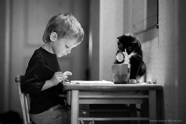 crianças-com-gatos-5