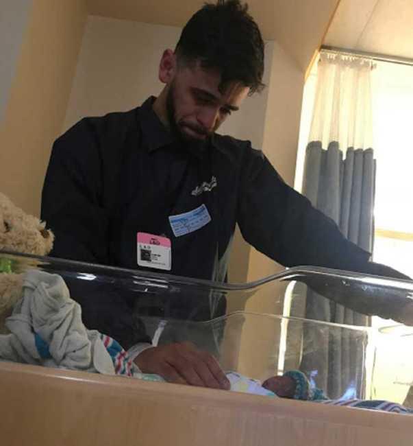 Triste historia: Médico deja caer al bebé y le dice a la madre que ...