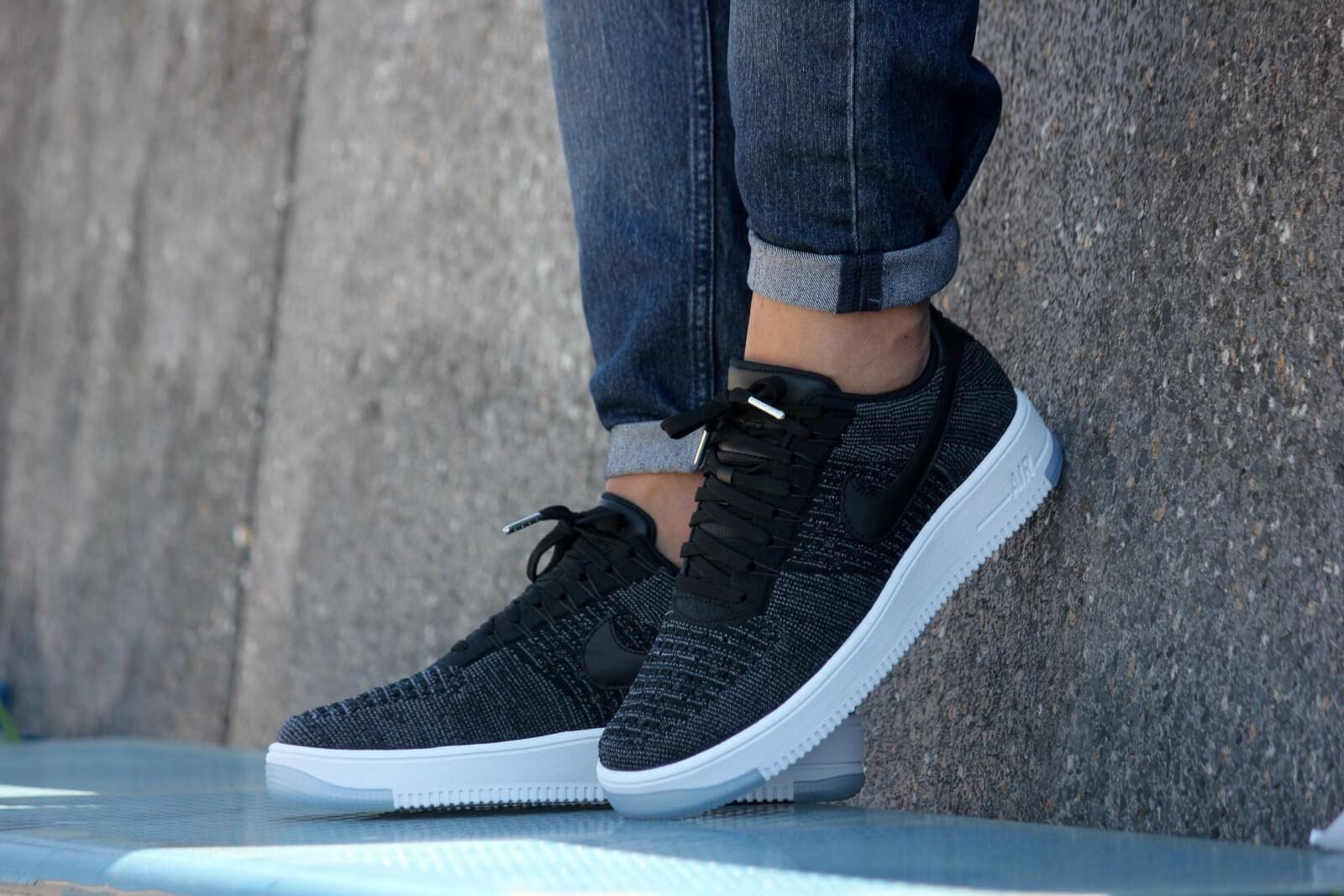 Nike WMNS Air Force 1 Flyknit Low Black Black White